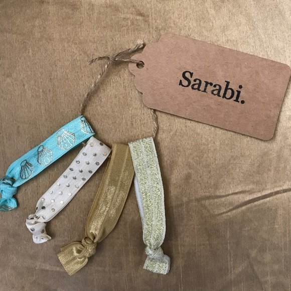 Sarabi. Accessories - $6/ or 2 for $10 ⭐️